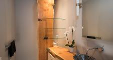 07RM Kiva House guest bath 1