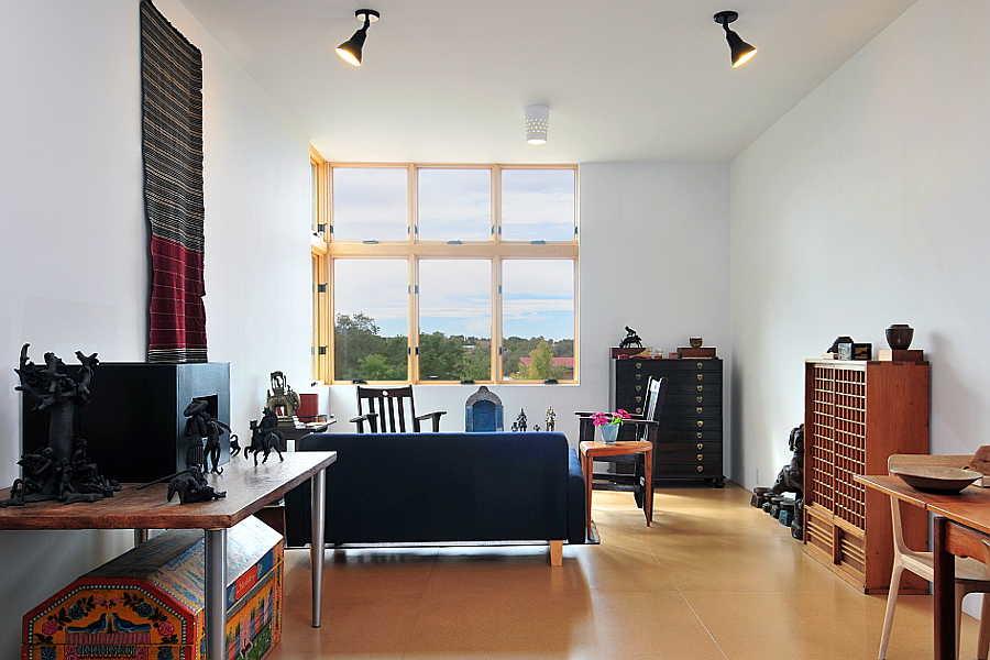 08 Platinum                           Cantilever Home living room 2