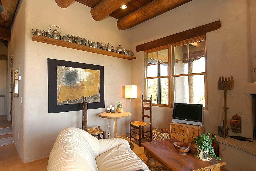 10 Madera Anciana                           Home living room 4
