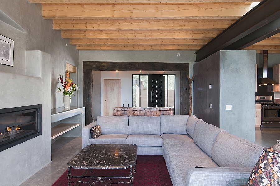 11 Net-Zero House                           living room 5