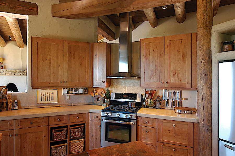12 Madera Anciana                           Home kitchen 2