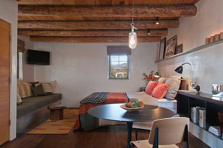 03RM Renaissance Casita bedroom 1