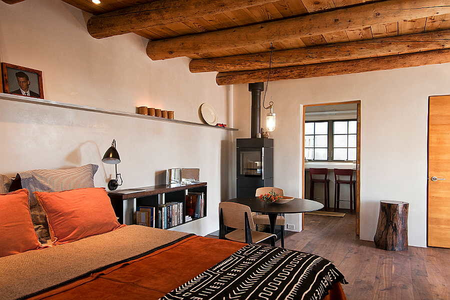 09 Renaissance                           Casita bedroom 2