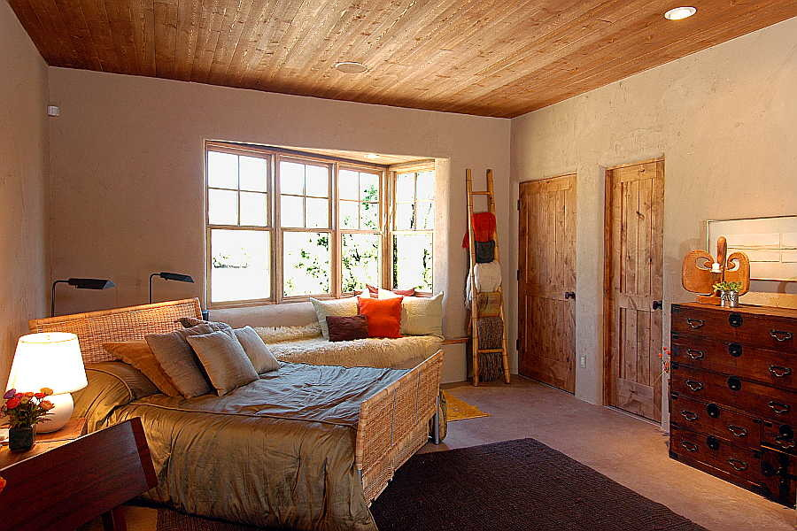 16 Madera Anciana                           Home guest bedroom 1