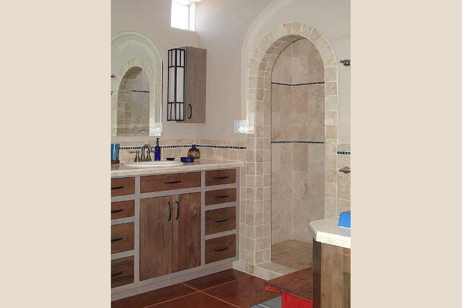 03RM Arcos Sobre Galisteo bath