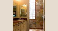 06 Gold Mine Residence master bath                                 1