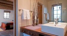 07RM Renaissance Casita bath 1
