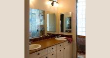 10RM Gold Mine Residence master bath 1
