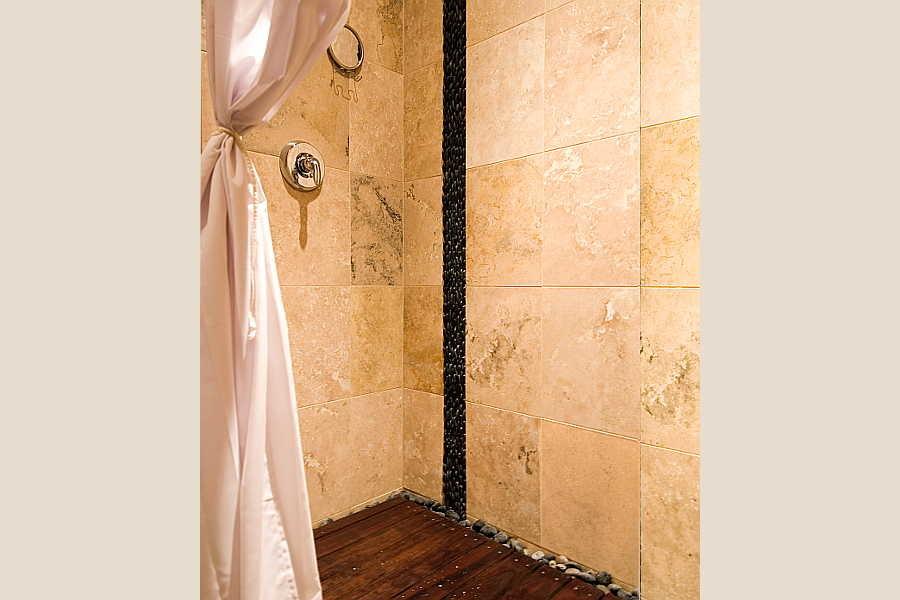 11 Browne Residence                           bath 2