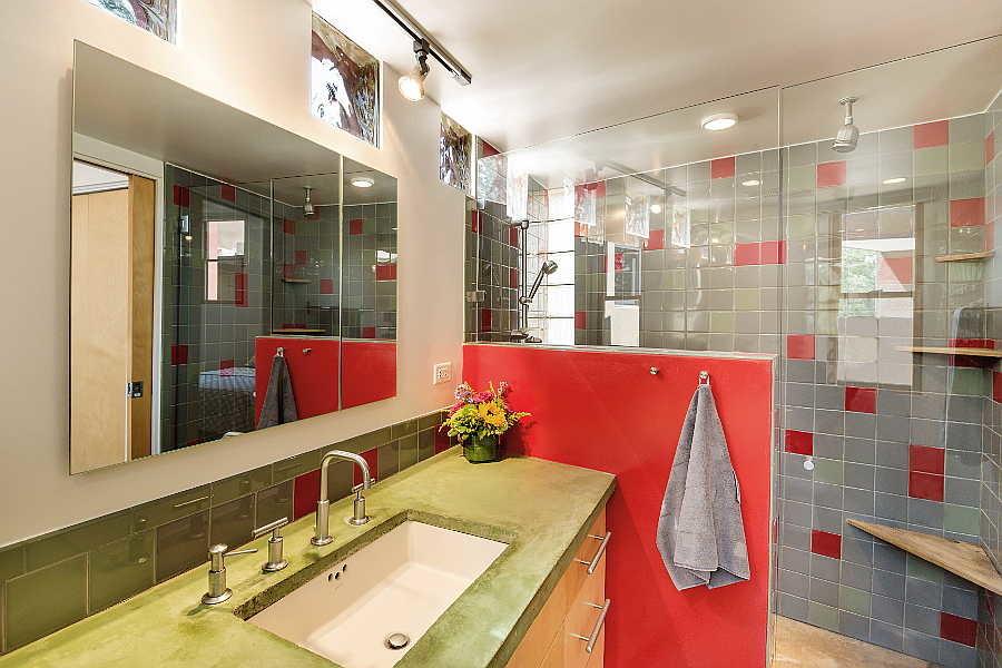 12 Coho Home bath                           3