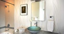 12 Jemez Vista House guest bath 1