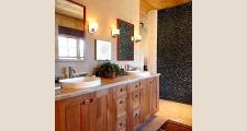 15 Madera Anciana Home bath 2