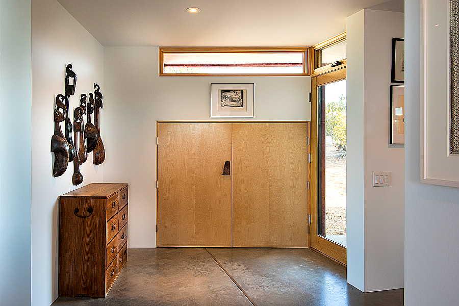 02RM Folk Art Home entry 2
