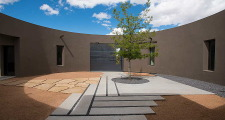 01 Kiva House courtyard 1
