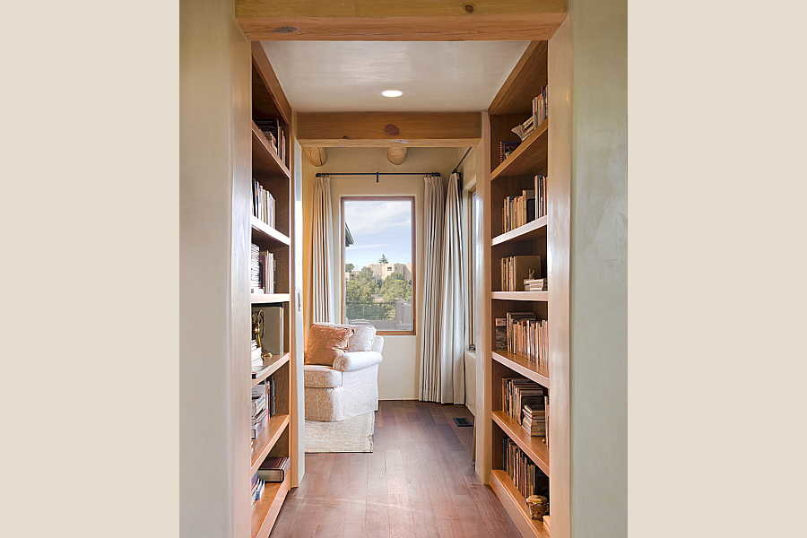 10RM Vistas Portales Remodel book corridor 1