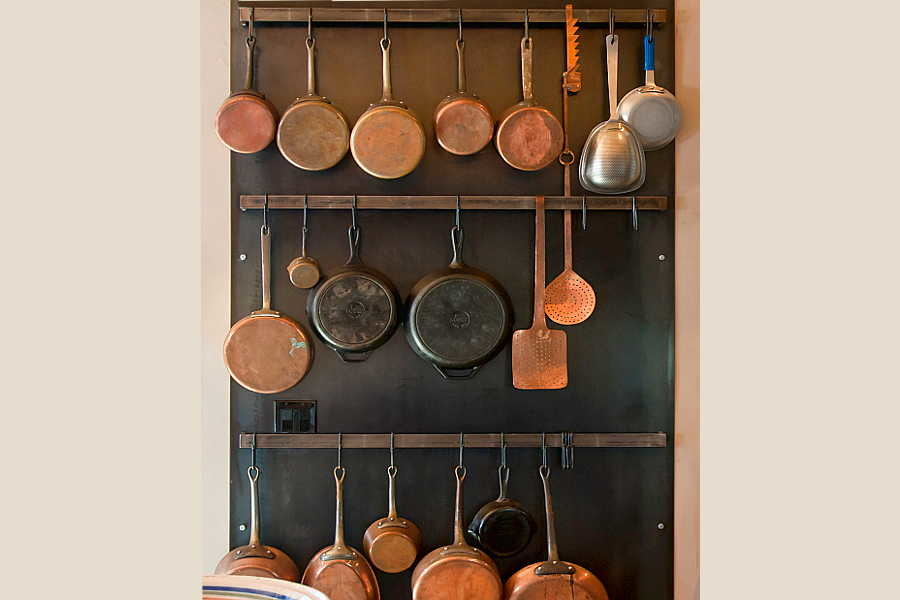 18 Renaissance                           Remodel pan rack 1