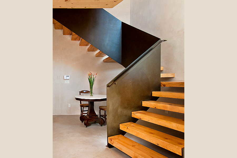 21 Renaissance                           Remodel stairs 2