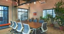 10RM Luna meeting room 1