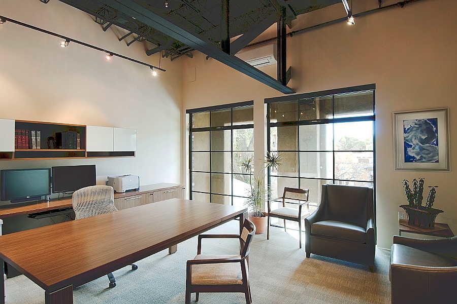11RM Luna office 1