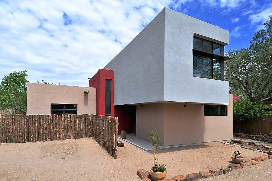 02CU Platinum Cantilever Home exterior 1