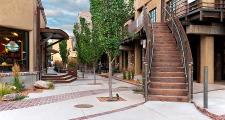 03RR Luna courtyard 2