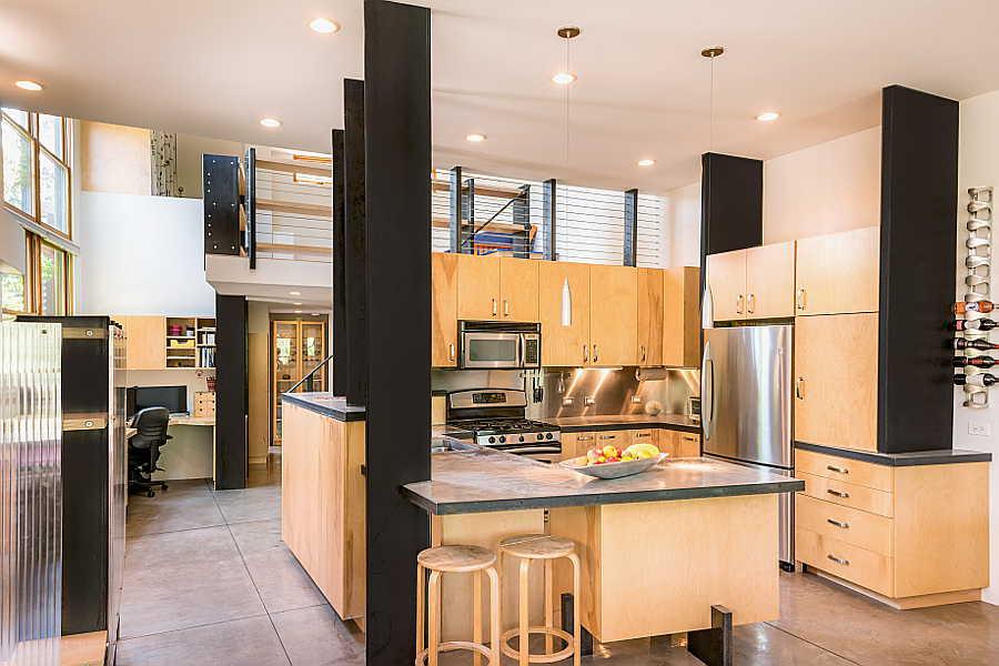 01RM Coho Home kitchen