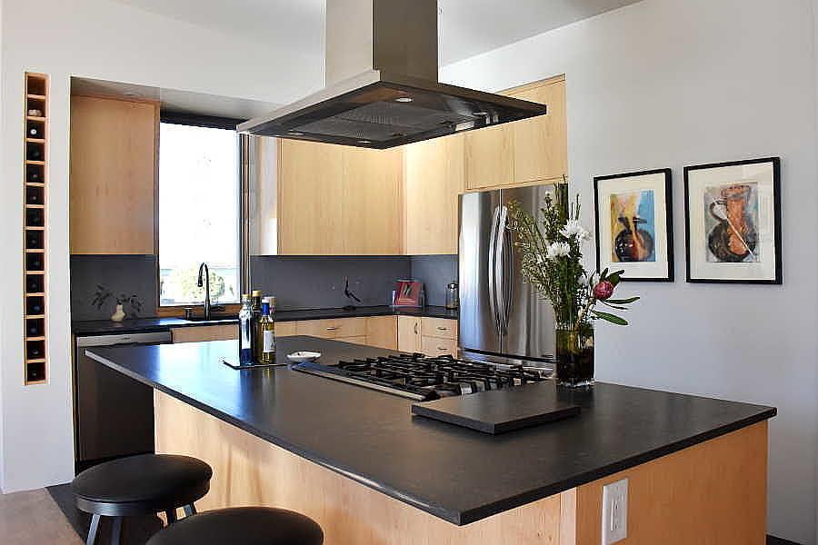 04RM Passive Solar Home kitchen 2