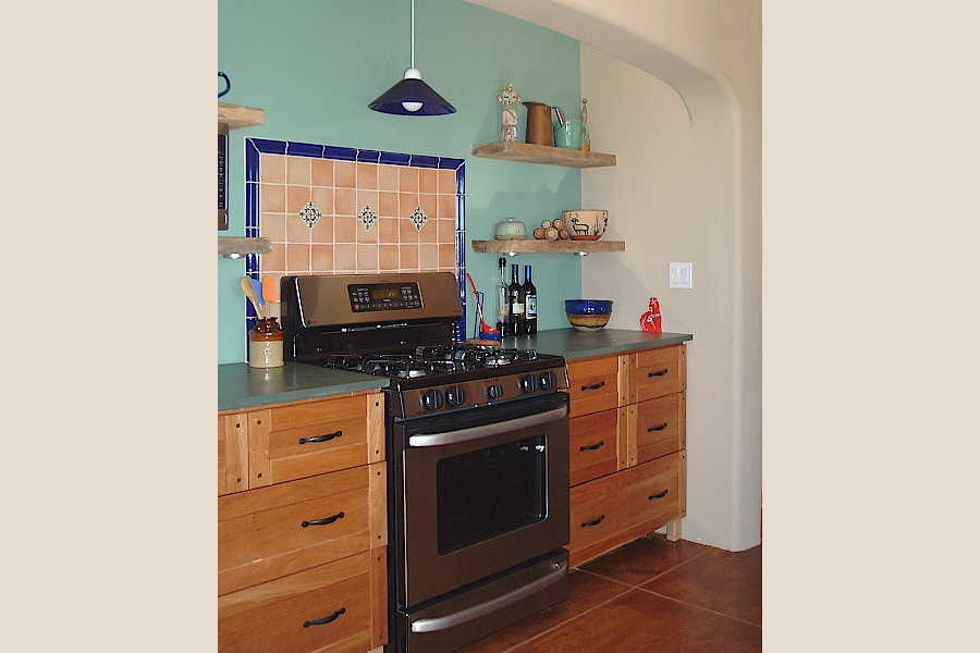 08RM Arcos Sobre Galisteo kitchen 2