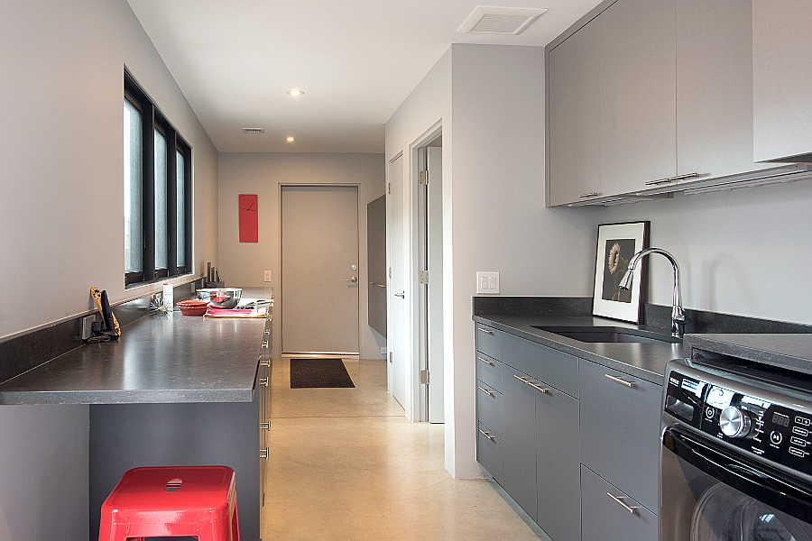09RM Jemez Vista pantry 1