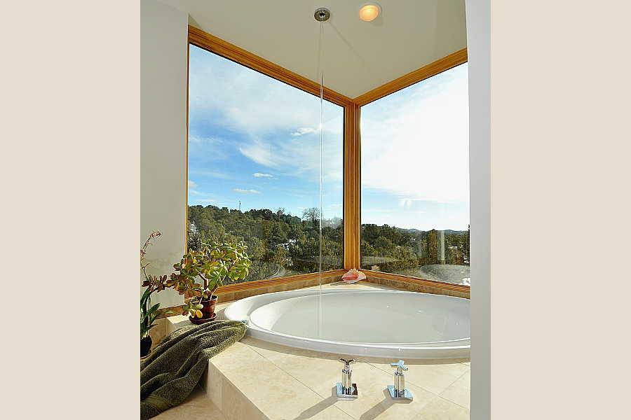 06 Stone and Steel House tub 1