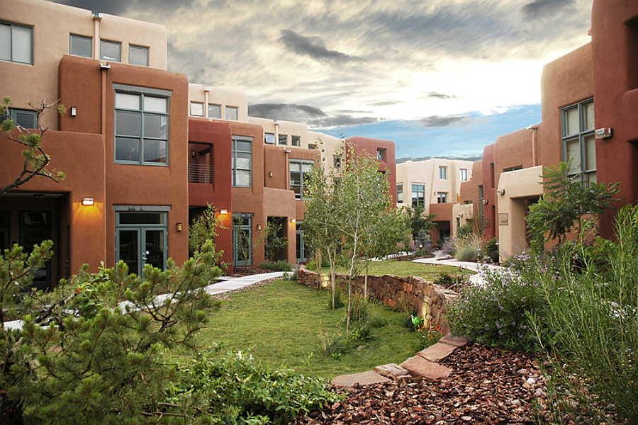 01 Marquez Place Lofts courtyard 1