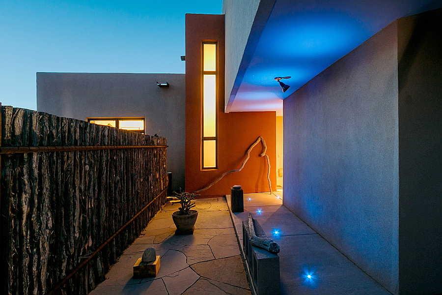 01LE Platinum Cantilever Home nightshot 1
