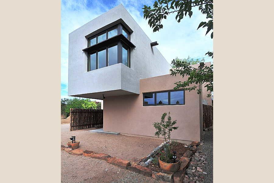 04LE Platinum Cantilever Home exterior 2